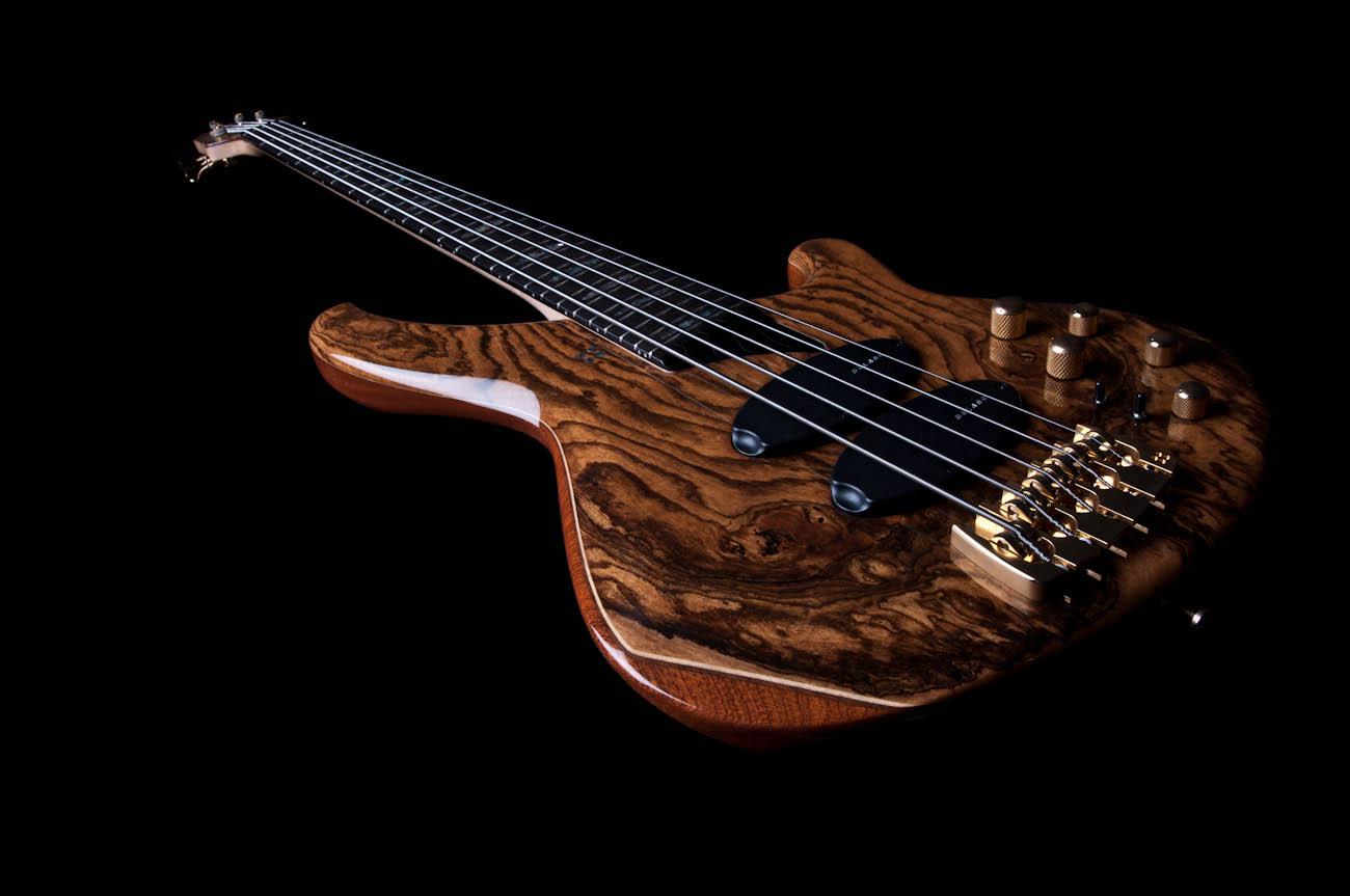 sandberg custom supreme 5 string bass in high gloss fini. Black Bedroom Furniture Sets. Home Design Ideas