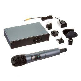 Sennheiser XSW 1-835-A UHF Vocal Set with e835 Dynamic Microphone